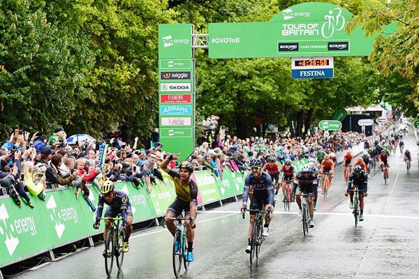 Finish straight at Cheltenham - Lotto NL Jumbo's Dylan Groenewegen wins the stage. Picture by Simon Wilkinson/SWpix.com